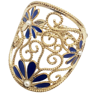 Ring with Enamel in Golden Silver